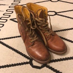 Frye Sabrina Lace up Boots